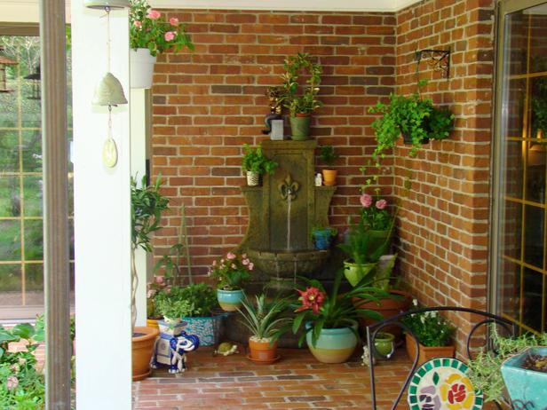 Decora tu porche delantero jardindecora flores y plantas - Decorar porche pequeno ...