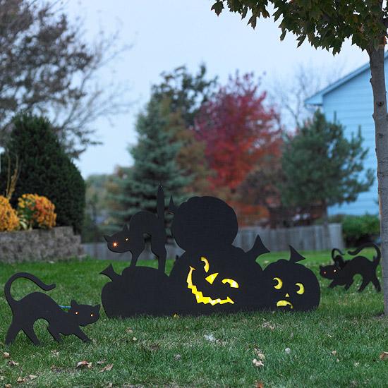 Halloween decorar el jard n con siluetas fundaci n ilersis for Jardin halloween