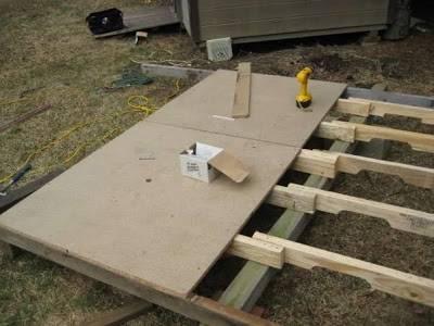 Casita para ni os en el jard n reciclando palets - Como hacer caseta de madera para jardin ...