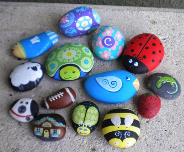Piedras pintadas a mano para el jard n jardindecora for Piedras pintadas para jardin