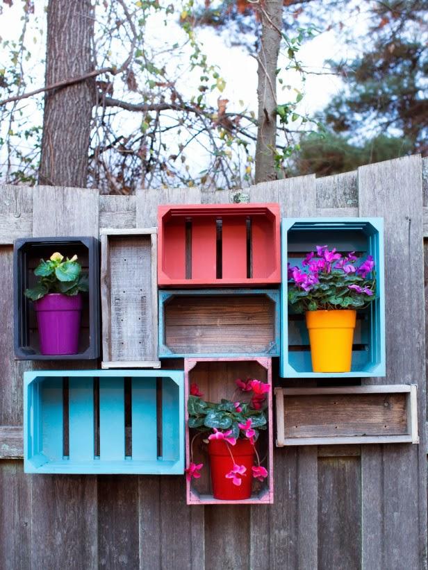 Estantes de colores para el jard n con cajones - Estantes para macetas ...