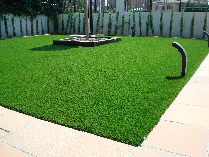 Dudas antes de comprar c sped artificial jardindecora - Colocar cesped artificial sobre terreno natural ...