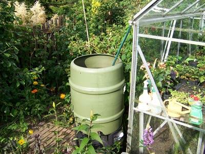 Medidas para ahorrar agua en el jard n fundaci ilersis - Recoger agua lluvia ...