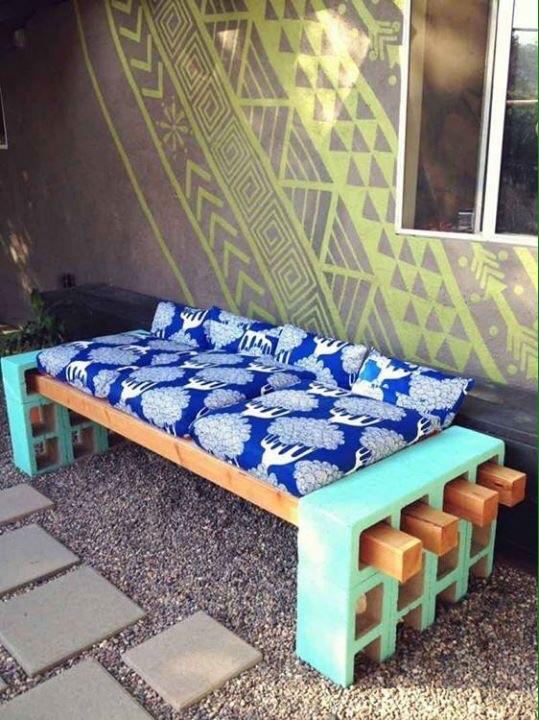 Muebles originales para jard n fundaci ilersis for Bloques de hormigon baratos