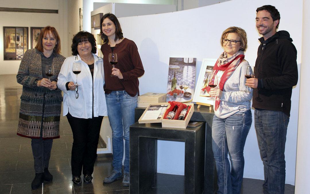 La Fundació ILERSIS i l'Espai Cavallers es donen la mà per crear un producte que marida vi, oli i art