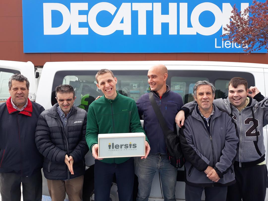 Decathlon Lleida dona material esportiu a ILERSIS Fundació