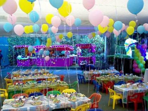 Fiesta infantil en el jard n fundaci ilersis - Jardines decorados para fiestas ...